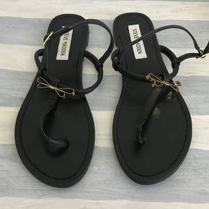 Steve Madden Daisey thong sandals with gold bows